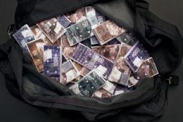 Concorso su invito <br/> per la realizzazione <br/> delle nuove banconote <br/> svizzere